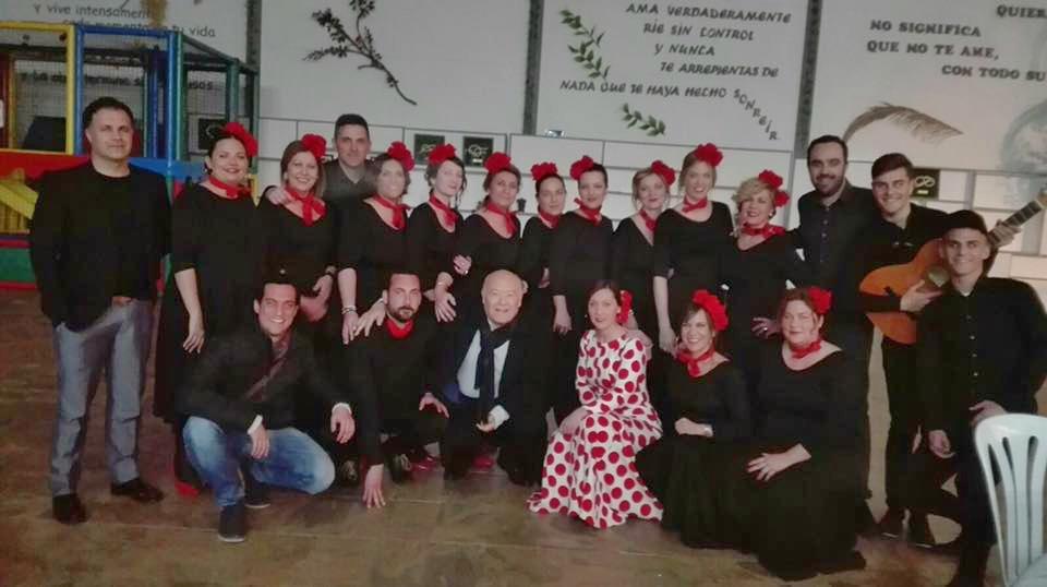 Profesionales de la Residencia de Mayores Cristo Roto quedan finalistas del Certamen de Playbacks de la Asociación de Obras Cristianas